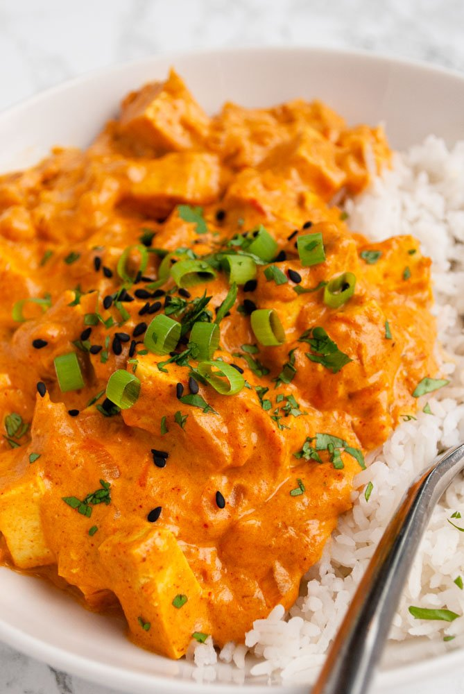 a close up view of tofu tikka masala