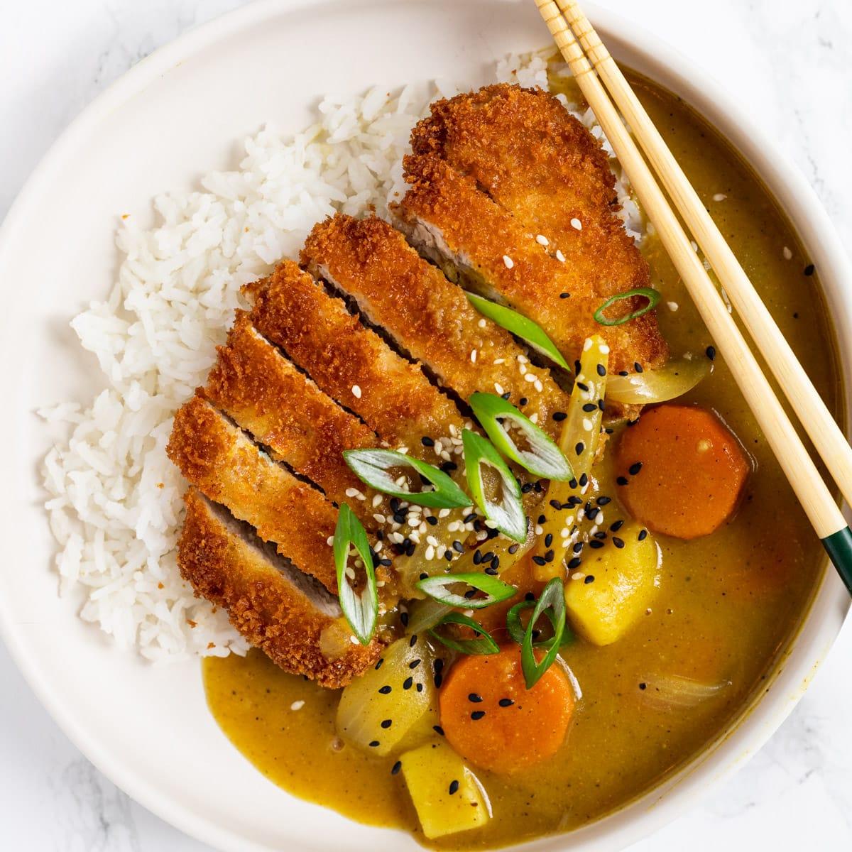 https://loveandgoodstuff.com/wp-content/uploads/2020/11/pork-katsu-curry-1200x1200-1.jpg