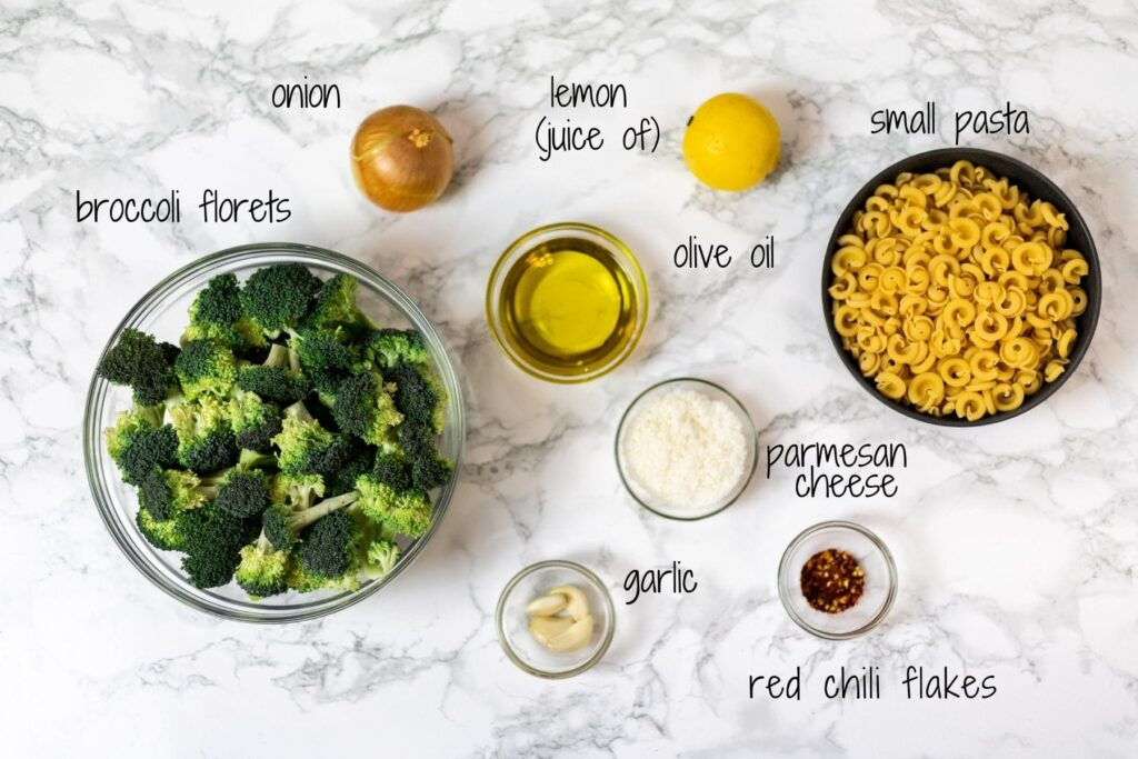 A labelled picture of ingredients for pasta with broccoli sauce.